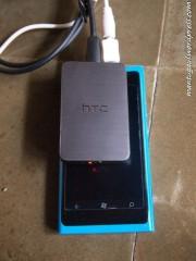 Perbandingan dengan Lumia 800