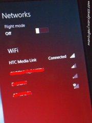 Nah sekarang pakai laptop konek ke HTC Medialink untuk dikonekkan ke wifi router kita