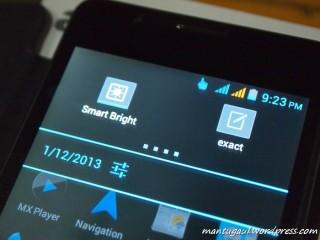 Ada smartbright untuk sensor filpcase, dan exact untuk sentuh layar lebih sensitif