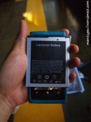 Baterenya lebih lebar dari Lumia 800