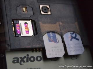 Masukkan 32GB (tidak dikasih ya), dual GSM simcard