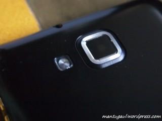 Kamera 5megapixel plus LED