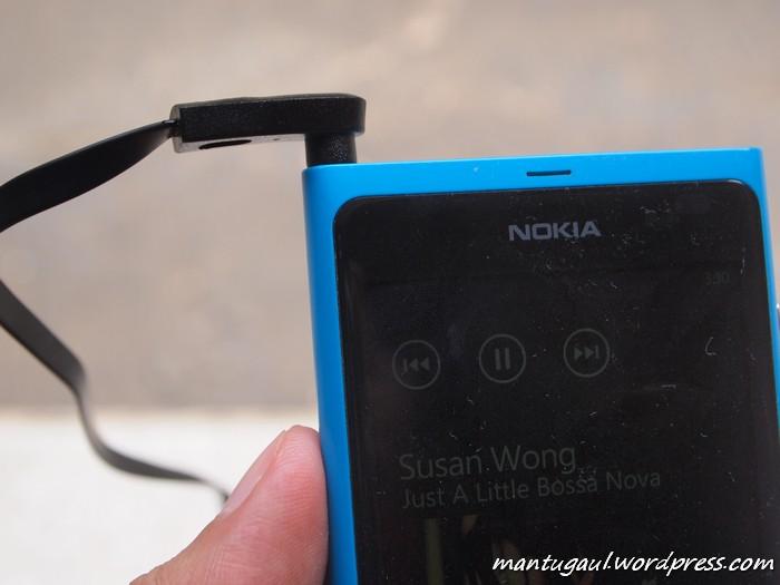 Dengan Nokia Lumia 800