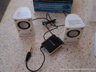 Speaker dan kotak tengah adalah baterai