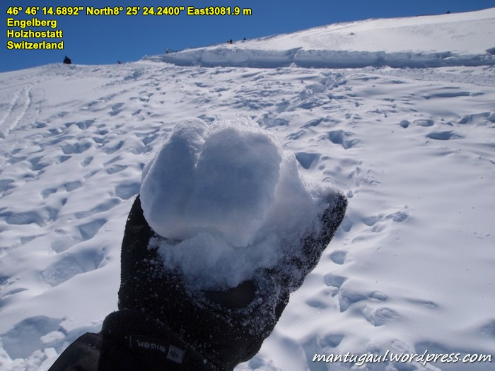 Gak lupa bawa pulang salju Titlis