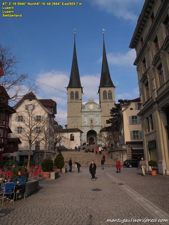Gereja Santo Leodegar di kota Lucerne