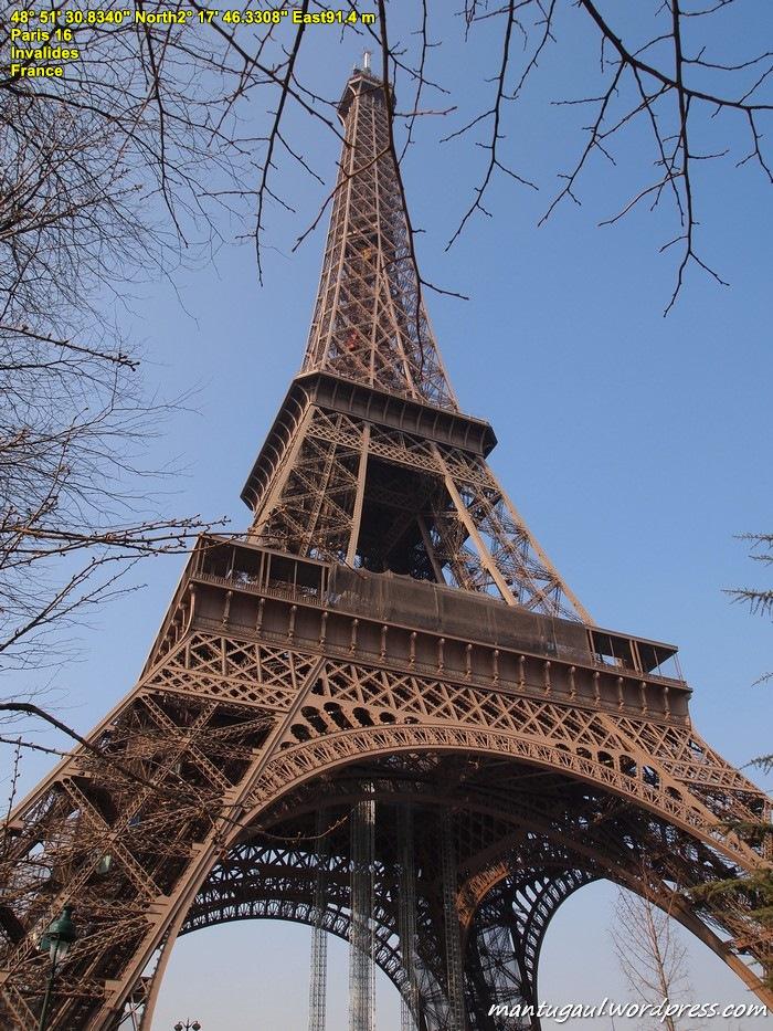 Eiffel Tour (Tour artinya Tower)