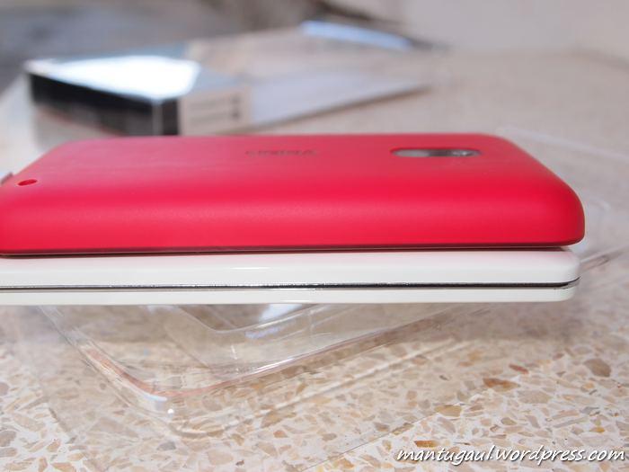Bazel5000 tampak tipis dibanding Lumia