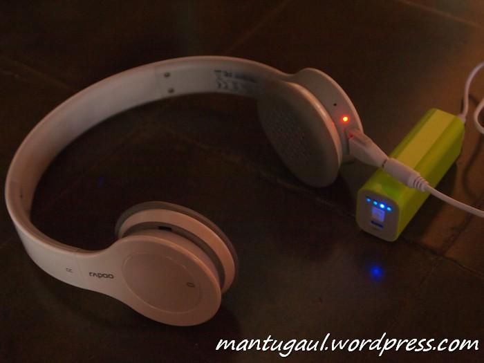 Mengisi Headphone Bluetooth Rapoo H6060