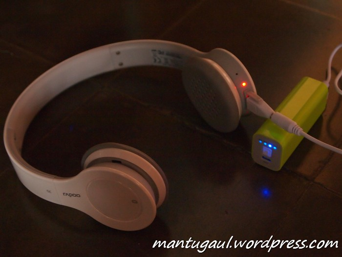 Mengisi Headphone Bluetooth Rapoo H6060