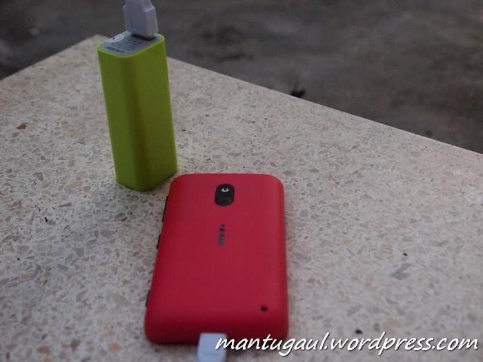 Mengisi Nokia Lumia 620