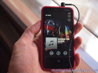 Coba lagu Daft Punk di Lumia 620 dengan Hippo ProOne