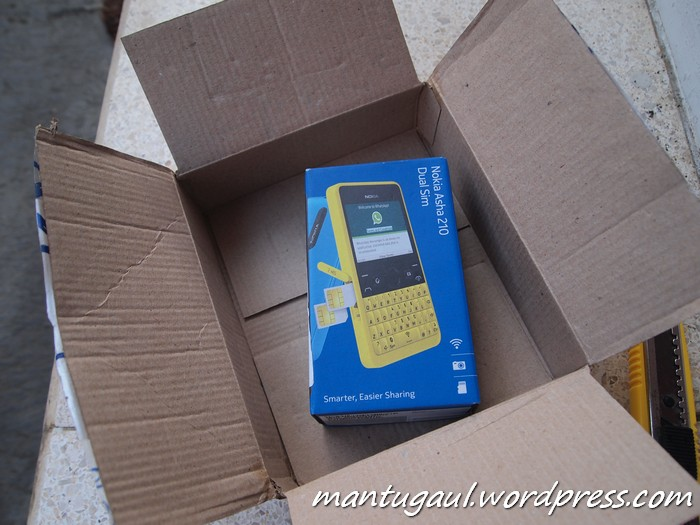 Review Nokia Asha 210, Smartphone Low-End Khusus Whatsapp (4/6)