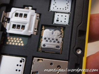 Masukkan Micro SD