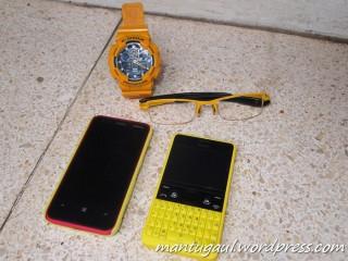 Koleksi gadget kuning