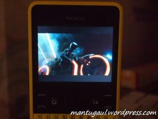 Coba buka video Tron Legacy