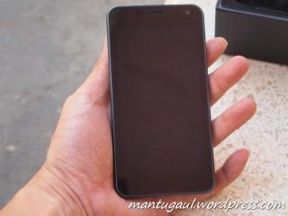 Depan sekilas seperti Galaxy Nexus