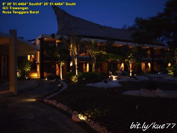 Hotel Queen Gili Trawangan malam hari
