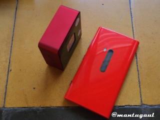 Perbandingan iBomb Cube dengan Nokia Lumia 920