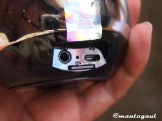 Pasang micro SD card Dengar musik iBomb Thunderball