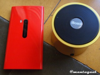Perbandingan iBomb Turbo dengan Nokia Lumia 920