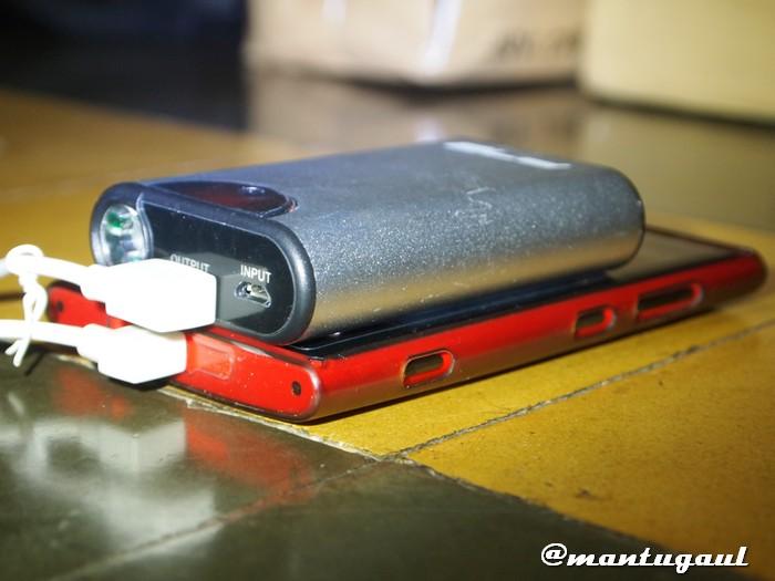 Ketebalan vs Nokia Lumia 920