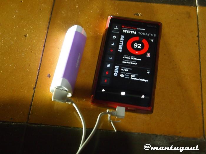 Powerbank Visipro 2600mAh mengisi Nokia Lumia 920