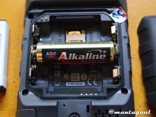 Bisa pasang 3 baterai AA