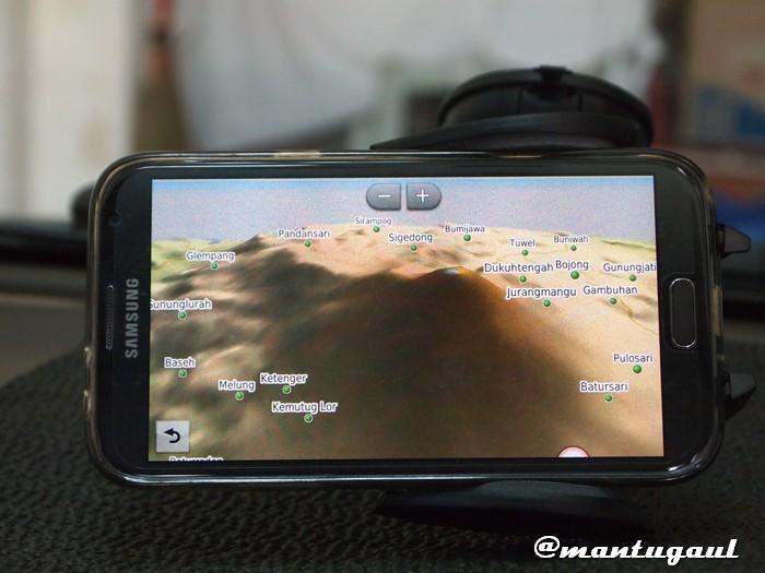 Posisi dengan terpasangnya Galaxy Note 2