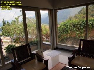 Villa Azalia ruang tamu