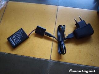 Pasang charger+battery charger+baterai
