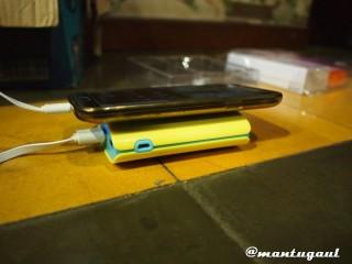 Perbandingan ketebalan dengan Samsung Note2